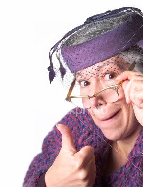 ist2_358199-old-lady-giving-the-thumbs-up-sign.jpg