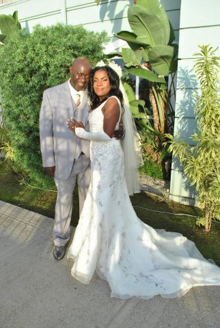 Sandra and Dave's wedding pic.jpg