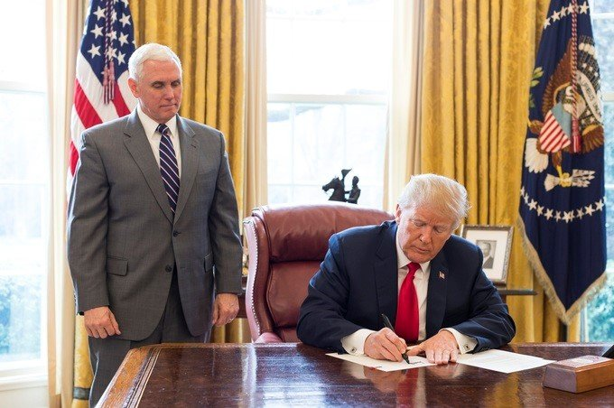 Official Executive Order for Suspending Entry of Immigrants